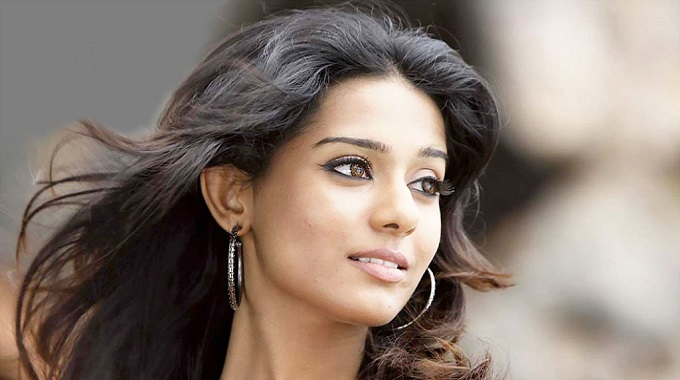 Amrita Rao Height