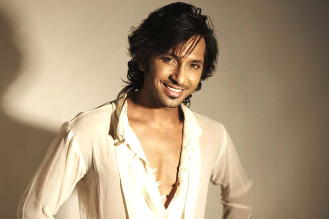 Terence Lewis Height