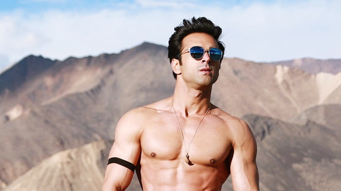 Pulkit Samrat height