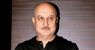 Anupam Kher Height