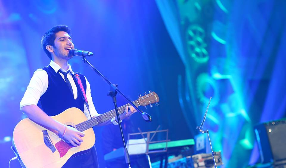 Armaan Malik Height,Weight, Age, Affairs And Biography