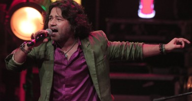 Kailash Kher Height