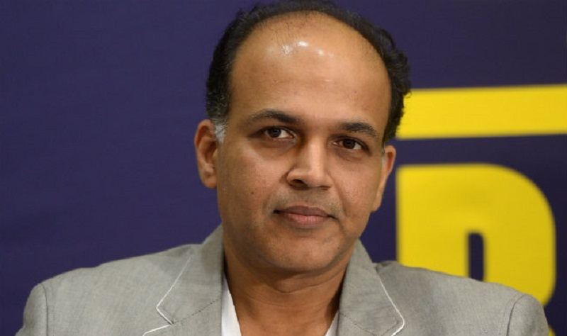 Ashutosh Gowariker Height