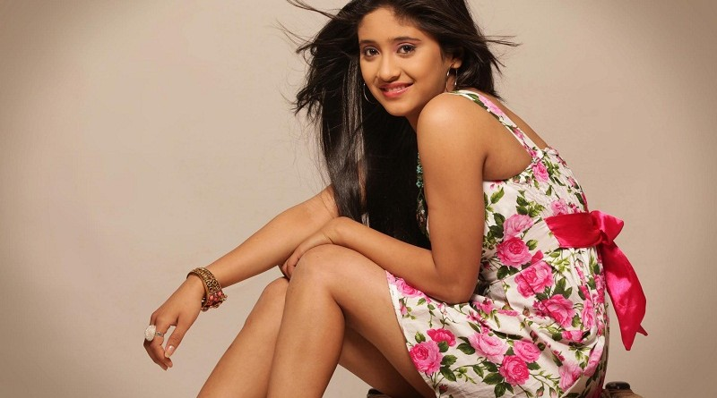 Shivangi Joshi Height