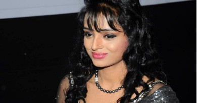 Parul Chauhan Height
