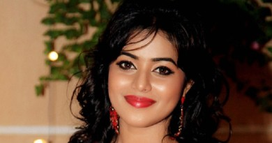 Shamna Kasim (Poorna) Height